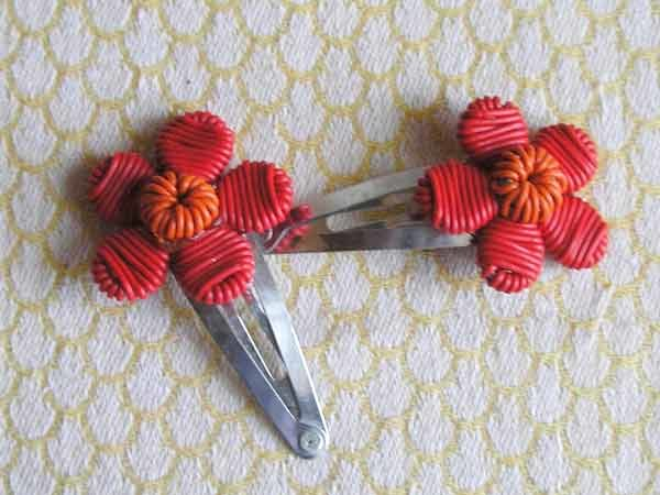 hair-clips-telephone-wire-Zulu-children-for-sale-bazaar-africa