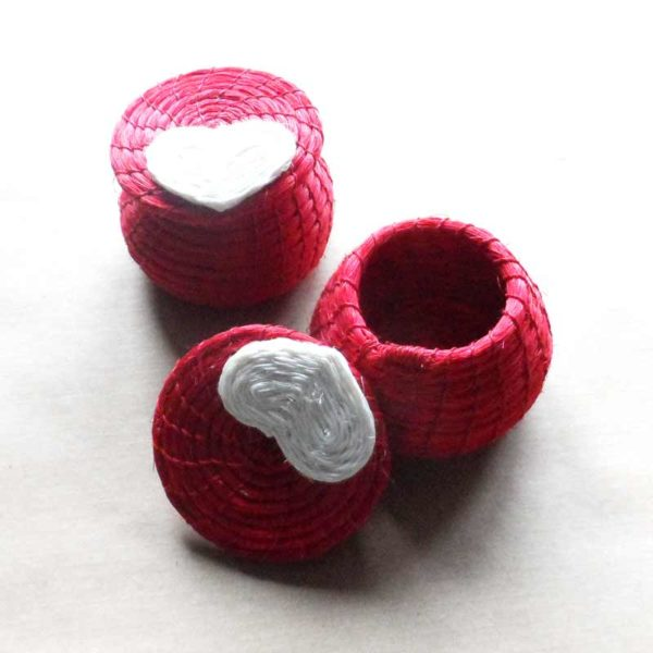 Heart trinket box woven in sisal in eSwatini