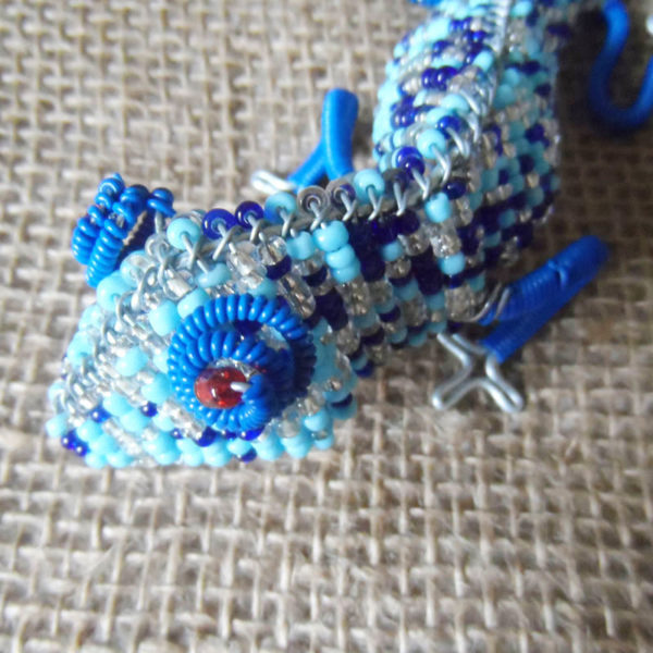 Beaded gecko candle holder