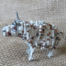 Bambl-Beaded-3D-animals-bull-on-wire-frames-for-sale-bazaar-africa