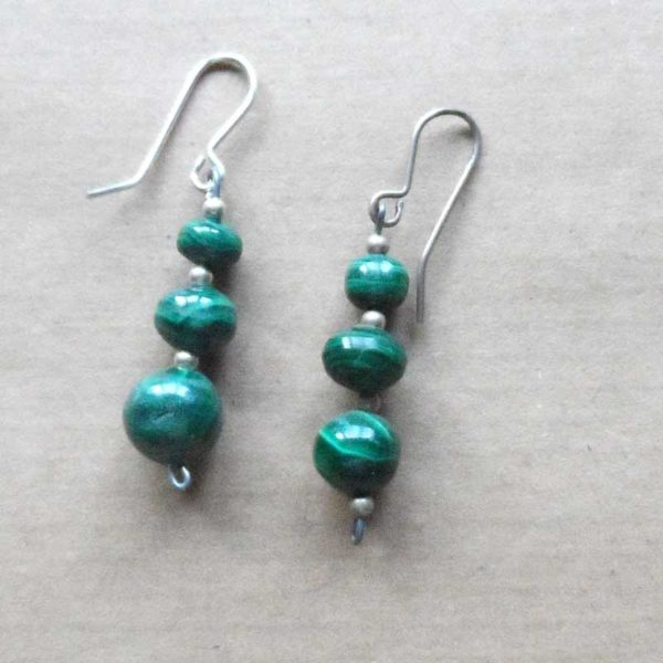 EaCBm3-malacite-earrings-single-ball-on-silver-wire
