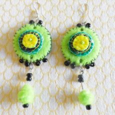 EaZlg-Felt-disc-handsewn-earrings-for-sale-bazaar-africa