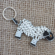KYSs-flat-keyring-beaded-sheep-wire-South-African-for-sale-bazaar-africa