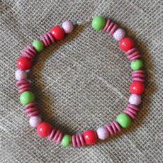 NkKpg48-Kenya-kazuri-bead-necklaces-for-sale-bazaar-africa