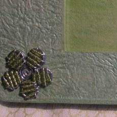 PFASlgf-Photo-frames-handmade-paper-seed-bead-flower-for-sale-bazaar-africa