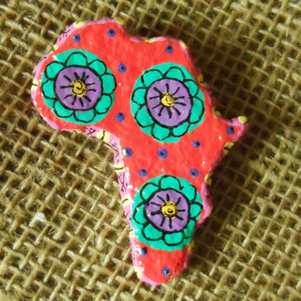 PMZb1-papier-mache-brooch-hand-painted-Swaziland-for-sale-bazaar-africa