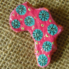 PMZb3-papier-mache-brooch-hand-painted-Swaziland-for-sale-bazaar-africa