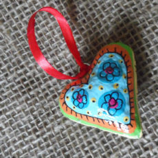 PMZh2-papier-mache-heart-hand-painted-Swaziland-for-sale-bazaar-africa