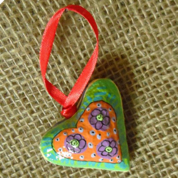 PMZh3-papier-mache-heart-hand-painted-Swaziland-for-sale-bazaar-africa