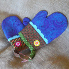 OGZc-Oven-gloves-Shwe-Shwe-fabric-handmade-felt-decoration-for-sale-bazaar-africa-.JPG