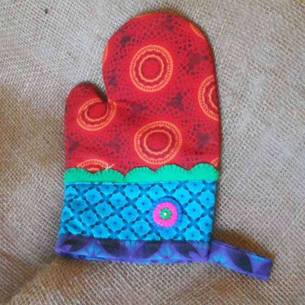 OGZs-Oven-gloves-Shwe-Shwe-fabric-handmade-felt-decoration-for-sale-bazaar-africa-.JPG