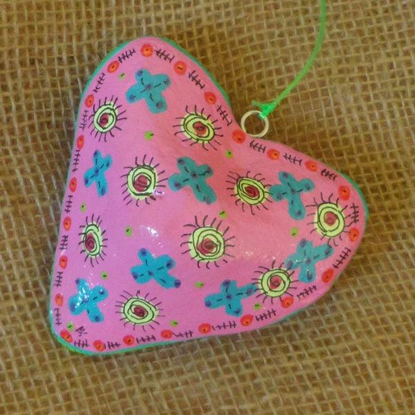 PMZhp3-papier-mache-hearts-hand-painted-Swaziland-for-sale-bazaar-africa