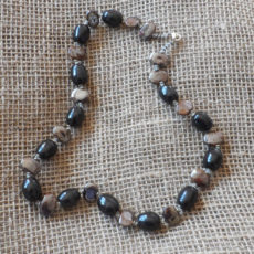 NkKgob60-Kenya-kazuri-bead-necklaces-for-sale-bazaar-africa