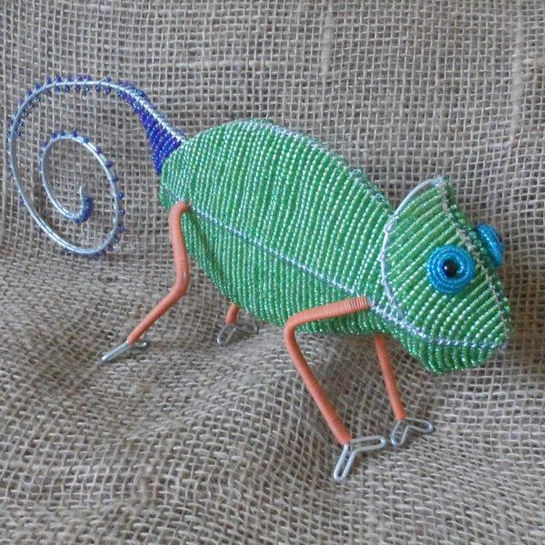 BAicg-beaded-3D-chameleon-on-wire-frames-for-sale-bazaar-africa