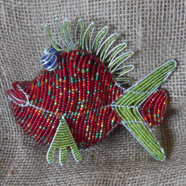 BAifr-beaded-3D-red-fish-on-wire-frames-for-sale-bazaar-africa