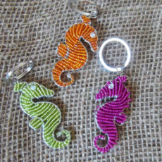 flat-keyring-beaded-seahorse-wire-South-African-for-sale-bazaar-africa.jpg