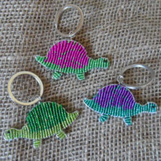 flat-keyring-beaded-turtle-wire-South-African-for-sale-bazaar-africa.jpg