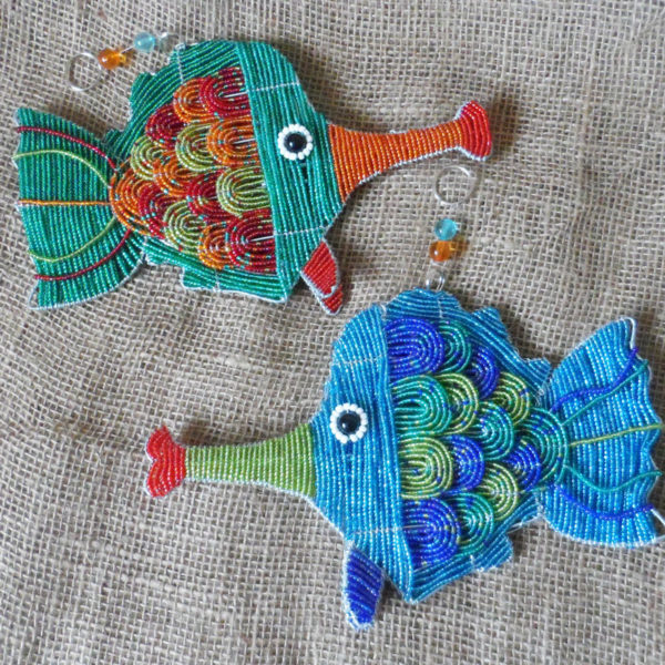 Beaded-3D-long-nosed-fish-on-wire-frames-for-sale-bazaar-africa