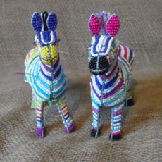 Beaded-3D-coloured-zebras-on-wire-frame-for-sale-bazaar-africa.jpg