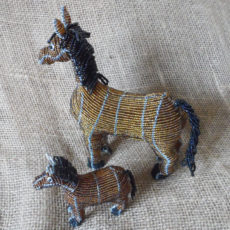 Beaded-3D-horses-on-wire-frame-for-sale-bazaar-africa.jpg