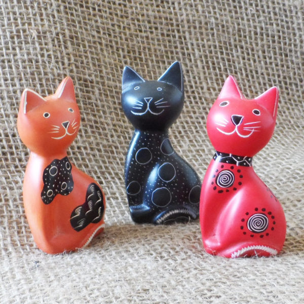 Soapstone-cats-hand-carved-in-Kenya-for-sale-bazaar-africa