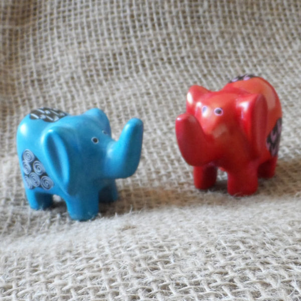 Soapstone-elephants-small-hand-carved-in-Kenya-for-sale-bazaar-africa