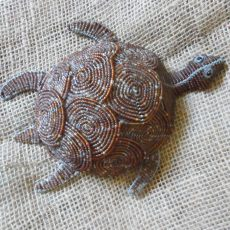 BAitl-Beaded-3D-turtle-large-on-wire-frame-for-sale-bazaar-africa