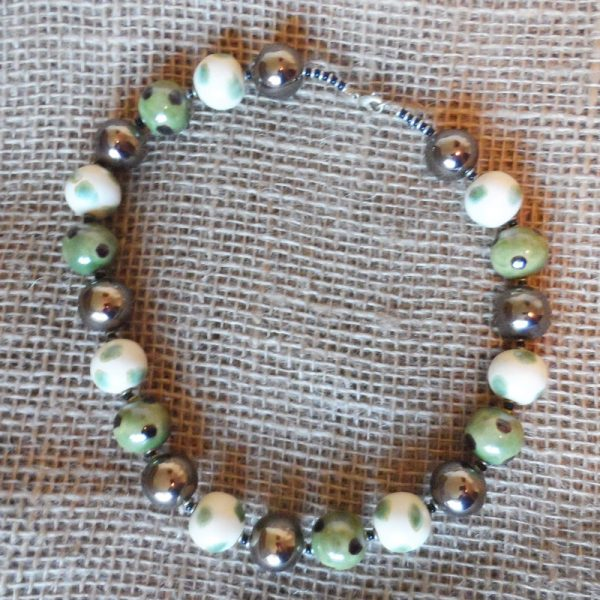 NkKsgkw48-Kenya-kazuri-bead-necklaces-for-sale-bazaar-africa