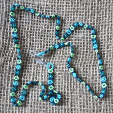 GcAStlj-Glasses-spectacles-chains-seed-beads-for-sale-bazaar-africa