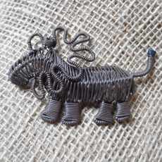 MGASlb-Magnets-telephone-wire-animals-brown-lion-for-sale-bazaar-africa