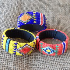 bangles-bright-beaded-diamonds-Zulu-geometric-for-sale-bazaar-africa