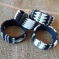 black-white-bangles-beaded-Zulu-geometric-for-sale-bazaar-africa