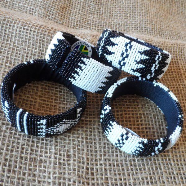 black-white-bangles-beaded-Zulu-geometric-for-sale-bazaar-africa