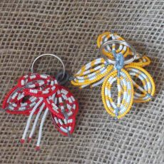 Beaded-hibiscus-flower-keyring-South-African-for-sale-bazaar-africa